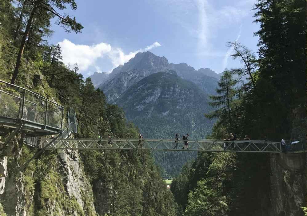 Es gibt noch mehr Klammen und Schluchten in der Karwendelregion: Hier die Geisterklamm