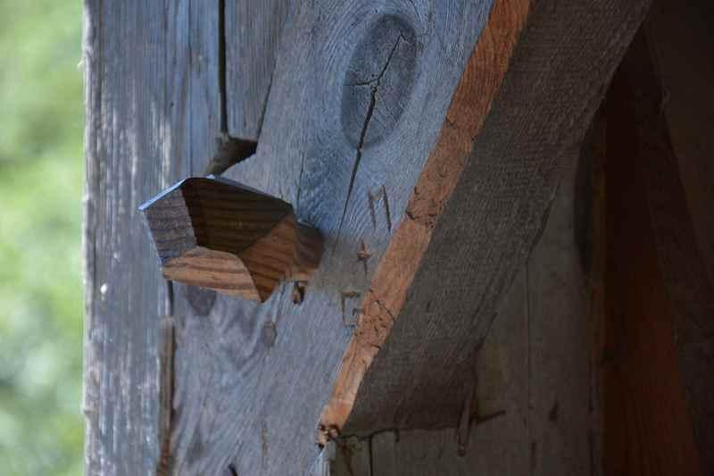 Die Holzkonstruktion - ganz aus Holz, sogar Holznägel tragen die Hohen Brücke