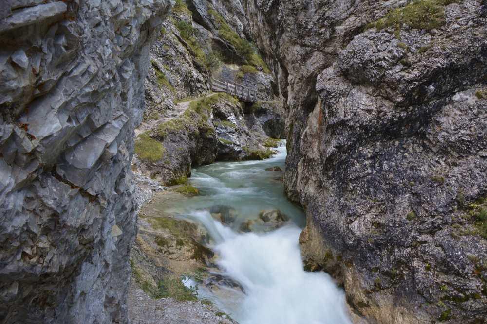 Klamm Tirol: Das ist die Gleirschklamm - kostenloser Eintritt in die wilde Natur im Karwendel, Scharnitz