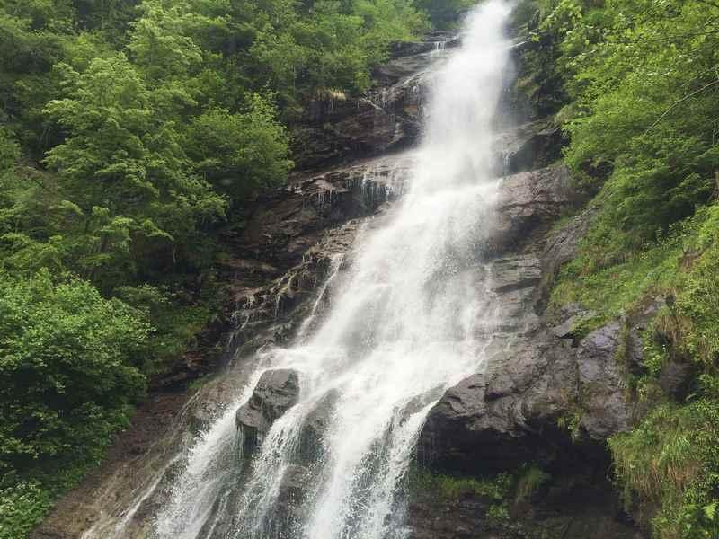 Der größte Wasserfall im Zillertal: Der Schleierfall in Tirol