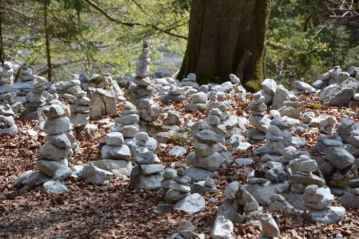 Jeder kann sich selbst ein Steinmandl im Karwendel bauen. Bester Platz ist oberhalb von der Wolfsklamm in Tirol