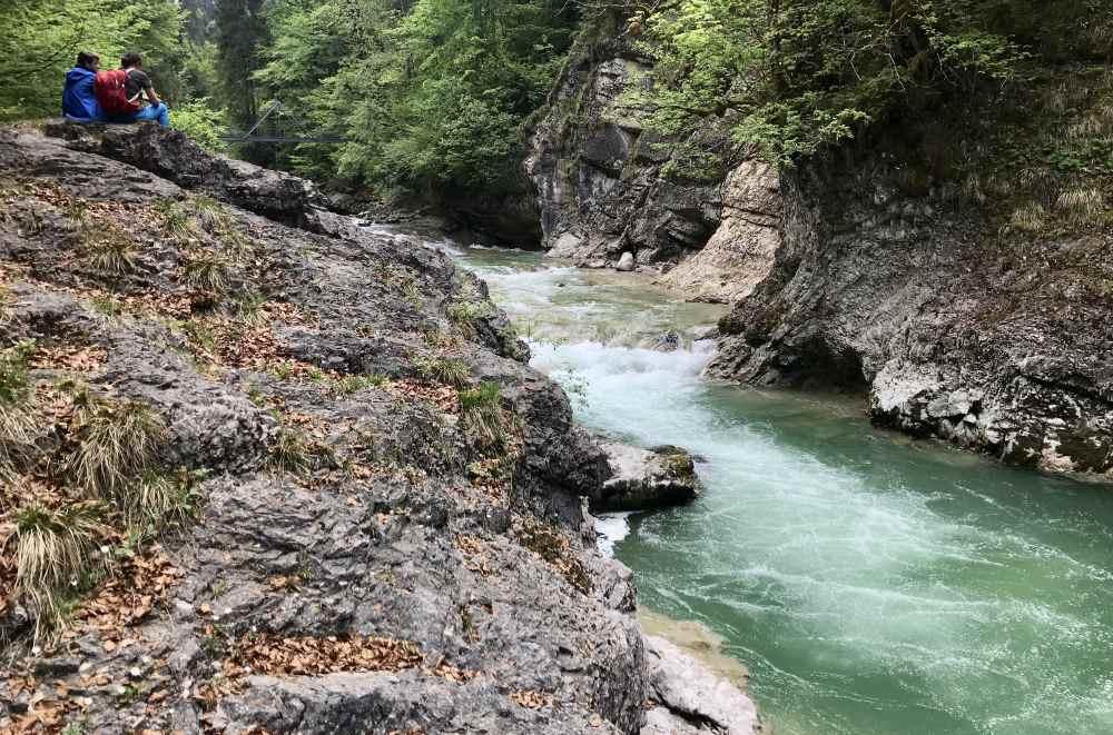 Türkisgrün ist das Wasser der Tiefenbachklamm in Tirol!