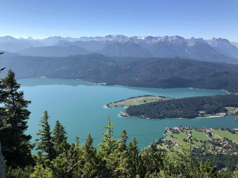 Blick vom Herzogstand auf den Walchensee