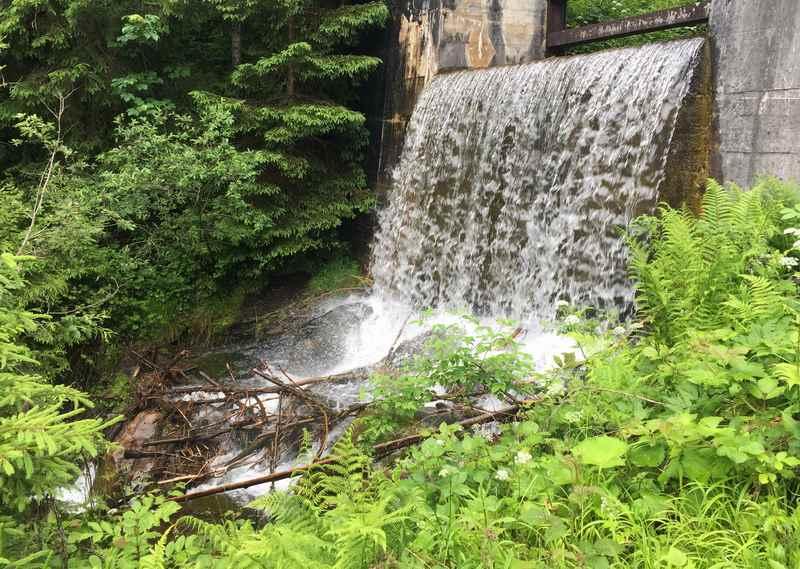 Ein Wasserfall im Zillertal - unterhalb des Schleierfall in Hart