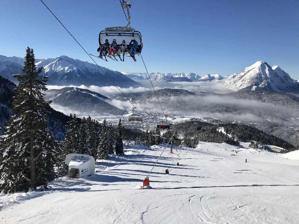 Den Winter beim Skifahren im Karwendel genießen