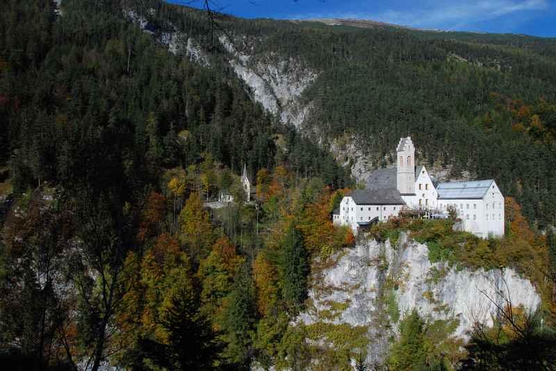 Von der Wolfsklamm hinauf wandern nach St. Georgenberg im Karwendel