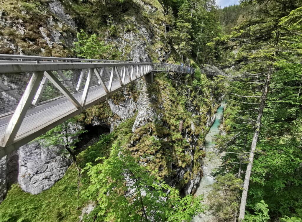 Eine der großen Brücken in der Leutaschklamm