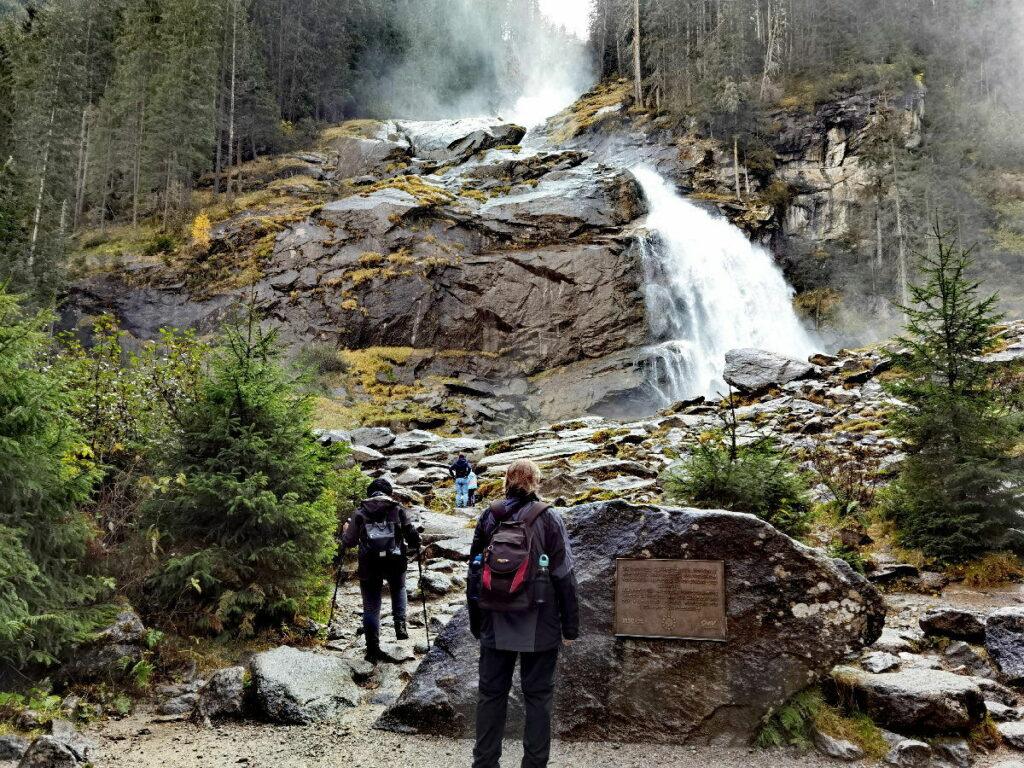 Krimmler Wasserfälle - Kürsingerplatz, bis hierher kommst du auch problemlos mit Kinderwagen und Rollstuhl
