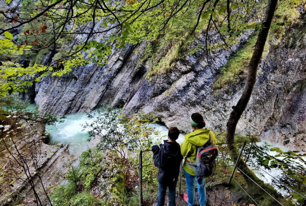 Durch das Naturjuwel Tiefenbachklamm wandern