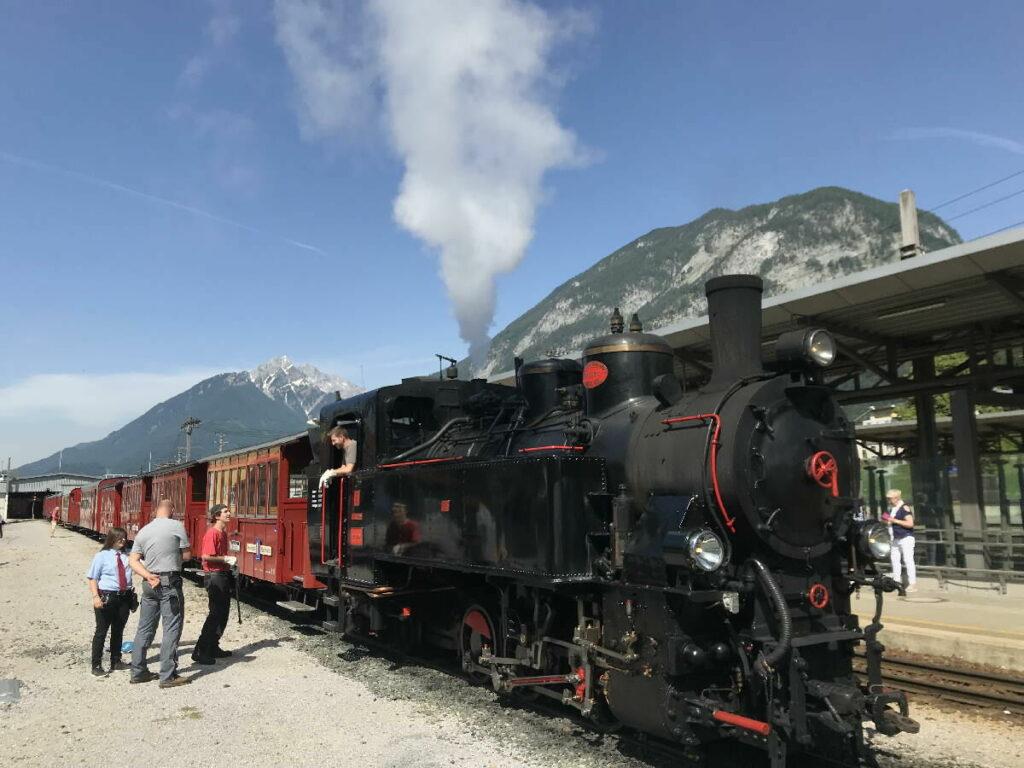 Eine gemütliche Fahrt durch das ganze Tal: Mit dem Zillertal Dampfzug