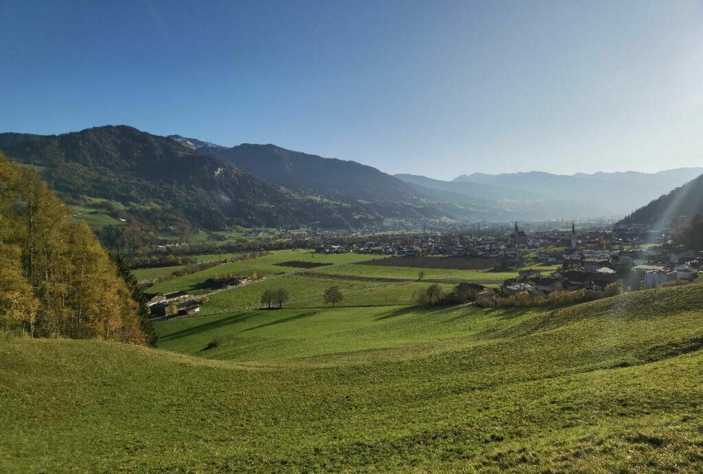 Blick über Stans in Tirol im Inntal