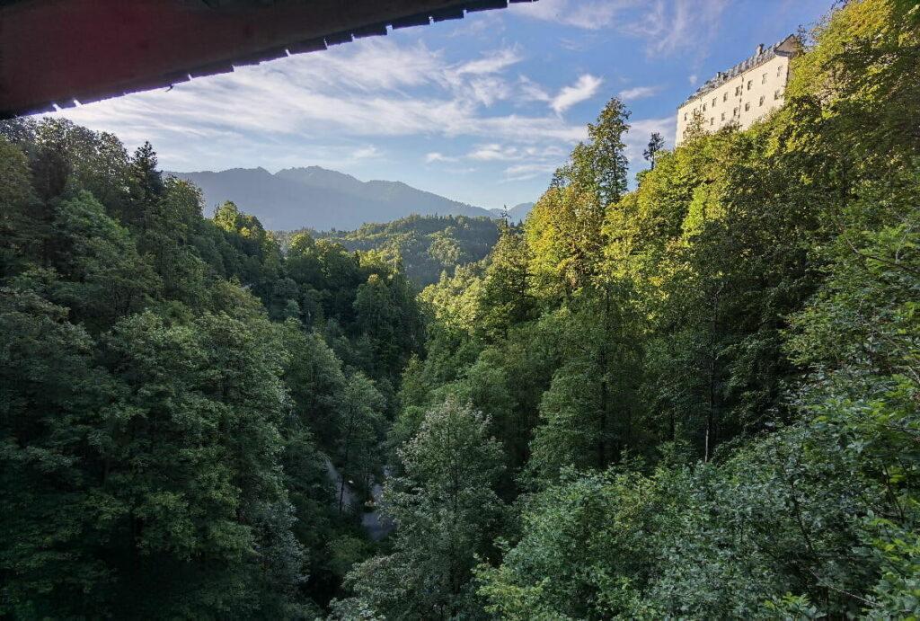Blick von der Brücke zum Kloster St. Georgenberg