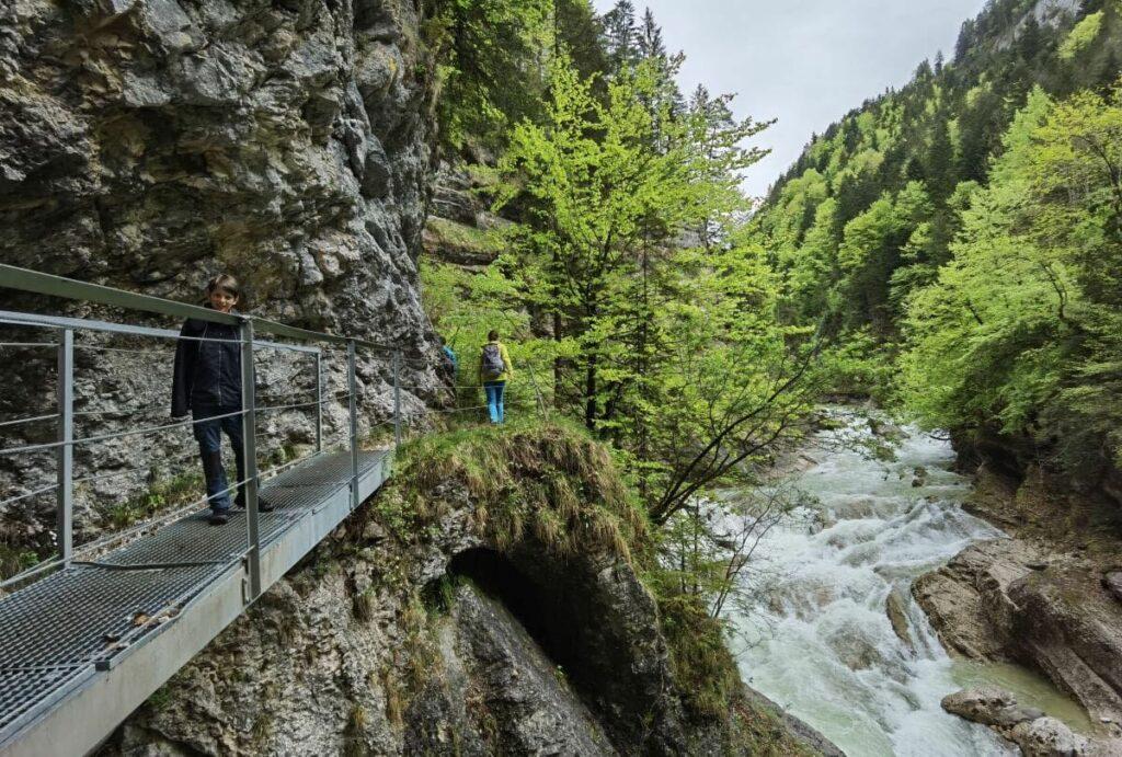 Klamm Tirol wandern - durch die Tiefenbachklamm