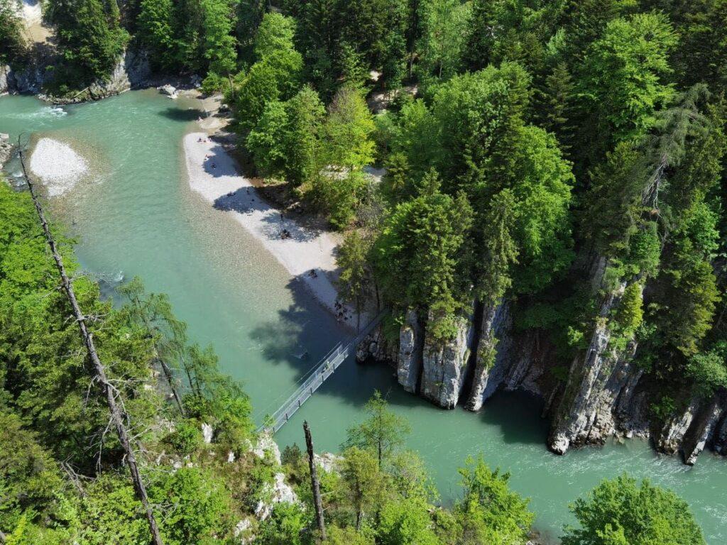 Naturwunder Walchsee Kössen - das lohnt sich wirklich, wenn du nach den schönsten Alpen Sehenswürdigkeiten suchst!